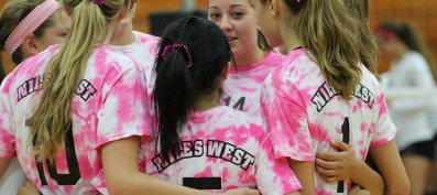Girls' Volleyball Dominates Waukegan