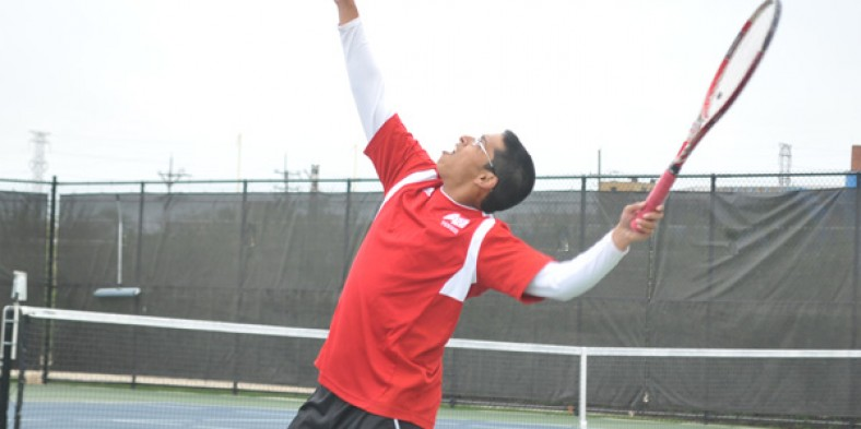 Boys Tennis Falls To Niles North
