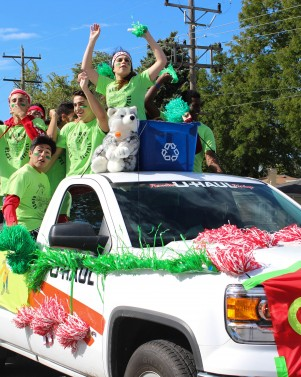 Photos: Homecoming Parade 2015