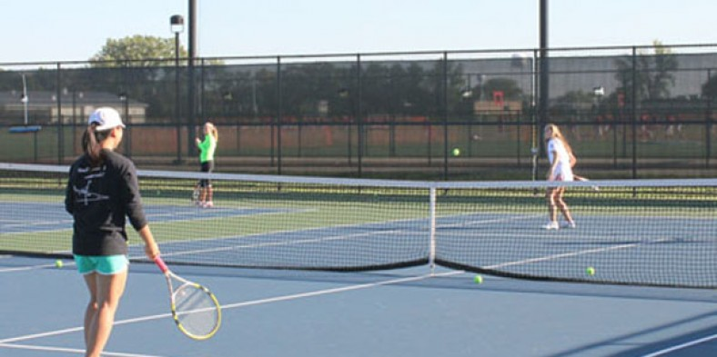 2014 Niles West Girls Varsity Tennis Preview