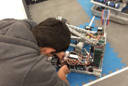 VEX Robotics Club to go to Nationals
