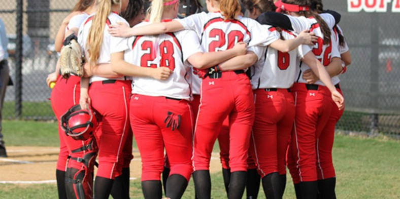 2016 Girls Varsity Softball Preview